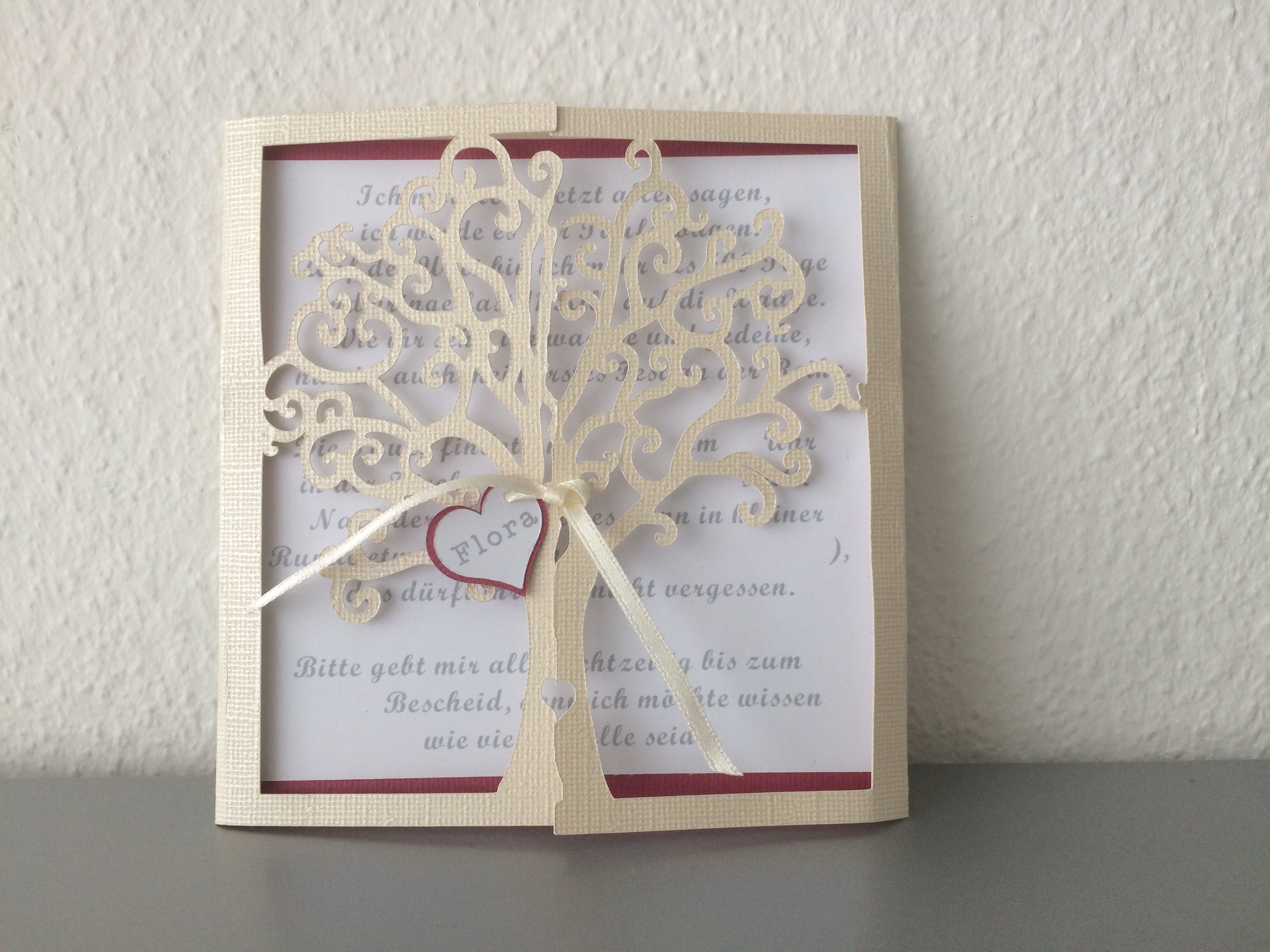Einladung zur taufe baum butterflycards for Garderobe zur taufe